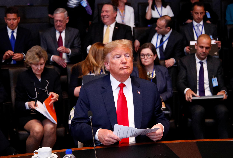دونالد ترامپ، رئیس جمهوری آمریکا در آستانه نشست دو روزه سران کشورهای عضو سازمان پیمان آتلانتیک شمالی (ناتو). چهارشنبه ۲۰ تیر/ ١١ ژوئیه ٢٠۱٨