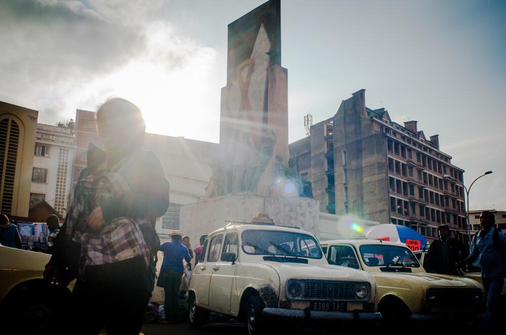 Avenue de l'Indépendance, dans le centre-ville d'Antananarivo.