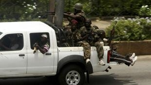 Pro-Gbagbo forces repel attack by Ouattara's army