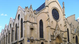 Police have opened an investigation after images showed multiple violations of Covid-19 rules during an Easter service at the Saint-Eugène-Sainte-Cécile church in Paris.