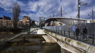 Мост через реку Ибар в Косовска-Митровица