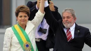 La flamante presidenta brasileña Dilma Rousseff con Lula da Silva, el 1° de enero de 2011 en Brasilia.