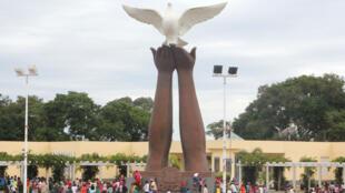 Monumento à Paz, no Moxico