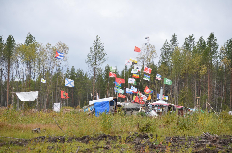 Le camp des militants de Shies qui s'opposent depuis l'été 2018 à l'implantation d'une décharge dans la région d'Arkhangelsk, en Russie.