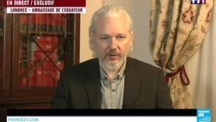 Julian Assange falou ao vivo na televisão francesa na quarta-feira.