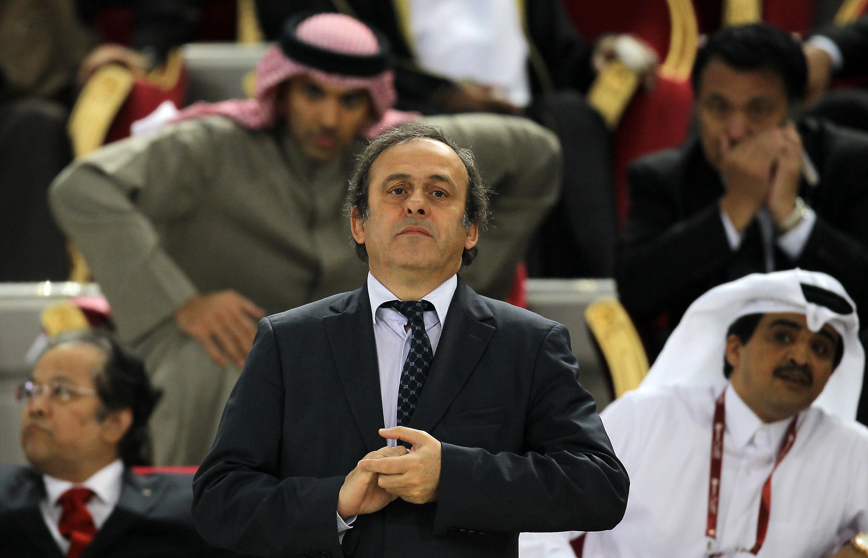 Chủ tịch UEFA Michel Platini tại sân vận động Doha, Qatar cuối năm 2011 - AFP / KARIM JAAFAR
