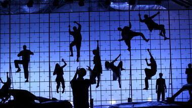 «Metamorphosis» se joue au théâtre de Chaillot à Paris jusqu'au 28 mars 2014.