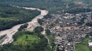 Imagem fornecida pela presidência da Colômbia mostra a região de Mocoa, afetada por fortes chuvas.