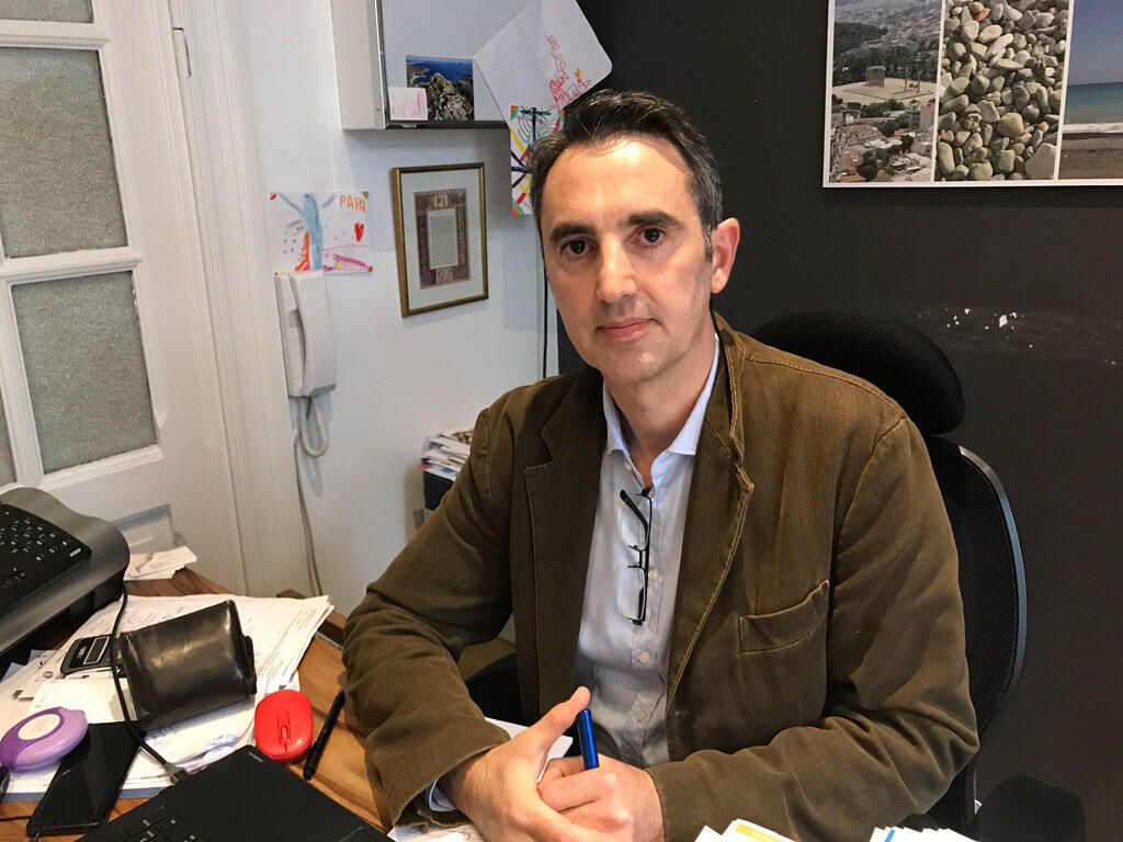 Le docteur Théodore Pléros, comme plus de 15 000 autres médecins, a quitté la Grèce lors de la crise financière de 2008.