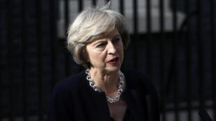 Theresa May lors de son discours devant le 10 Downing Street après sa nomination officielle au poste de Premier ministre par la reine, le 13 juillet.