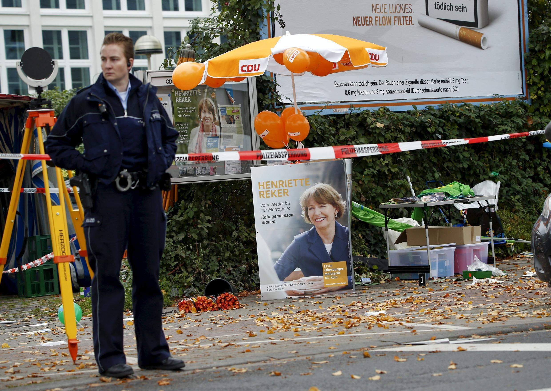 A candidata à prefeitura de Colônia, Henriette Reker, ficou gravemente ferida.