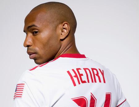 O atacante francês Thierry Henry.