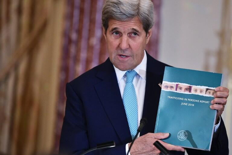 John Kerry présente le rapport 2016 sur le trafic d'êtres humains, le 30 juin 2016, à Washington.