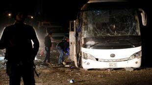 Autobús tras el atentado contra turistas de Guiza de este pasado viernes