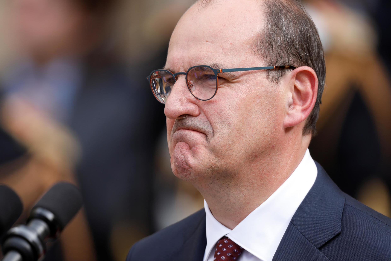 Primeiro ministro francês, Jean Castex, ultima formação do governo com cerca de 20 ministros para segunda-feira
