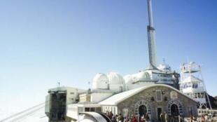 上比利牛斯山南峰观测星球胜地