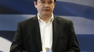 O ministro grego das Finanças, Georges Papaconstantinou, vai se reunir com a missão técnica da UE, do FMI e do BCE.