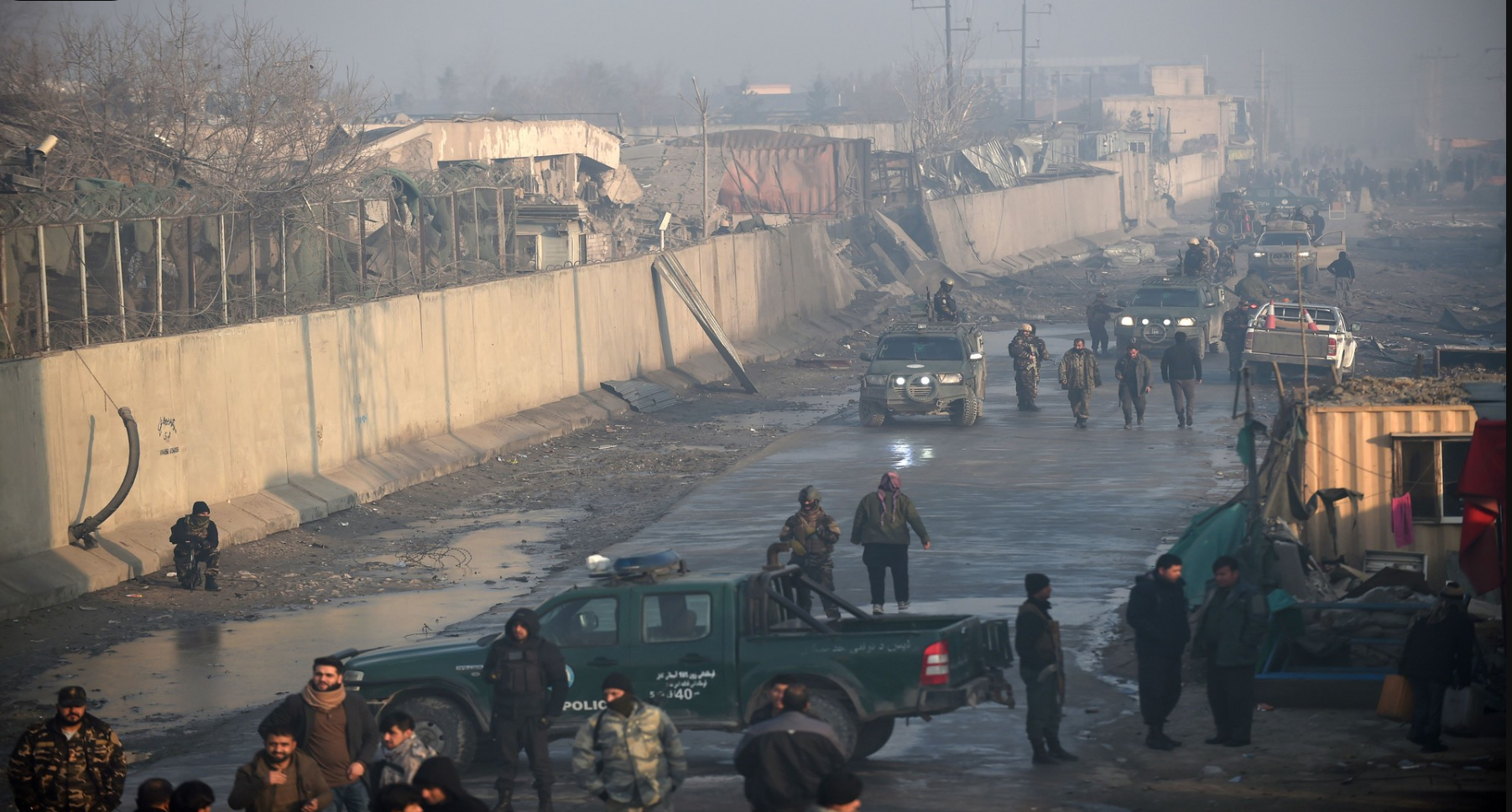 حمله طالبان به پایگاه نظامیان در ولایت هلمند، یکروز قبل از ازسرگیری نشست قطر میان نمایندگان طالبان و آمریکا صورت گرفت.