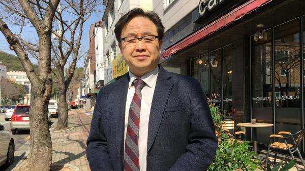 Ji-il Tark, giáo sư Tôn giáo, đại học Thần học Busan, Hàn Quốc.