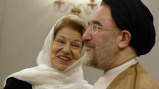 دیدار محمد خاتمی، رئیس وقت جمهوری اسلامی ایران با اما نیکلسون، عضو وقت پارلمان اروپا، تهران، نهم مه ۲۰۰۵