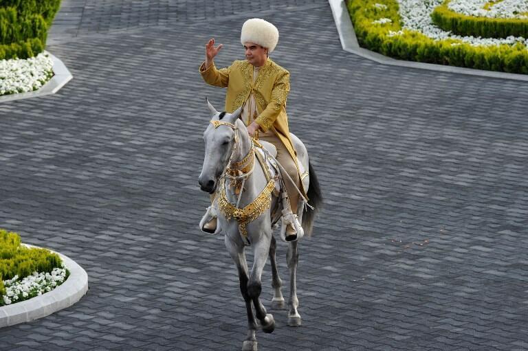 Le président turkmène en avril 2018 à Ashgabat lors de la journée du cheval.