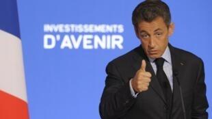 Nicolas Sarkozy s'est déclaré satisfait de «l'émulation» suscitée par le grand emprunt de 35 milliards d'euros.
