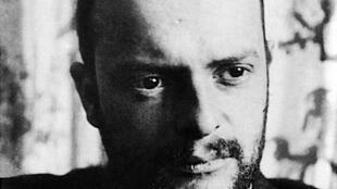 L'artiste peintre, Paul Klee en 1911. L'exposition qui lui est consacrée à Bâle, en Allemagne, « Paul Klee – La dimension abstraite »  est à découvrir jusqu'au 21 janvier 2018 à la Fondation Beyeler qui fête ses 20 ans cette année.