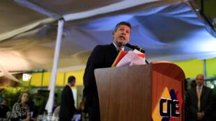 L'opposant et candidat à la présidentielle Henri Falcon lors d'une conférence de presse, le 27 février 2018 à Caracas.