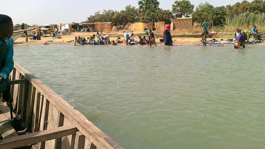 Nchi nne zinachangia ziwa Chad : Chad, Cameroon, Niger na Nigeria.