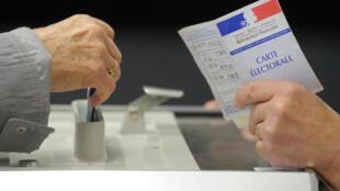 O fantasma da abstenção paira sobre o pleito presidencial na França.