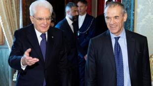 O presidente Sergio Mattarella com o novo primeiro-ministro Carlo Cottarelli.