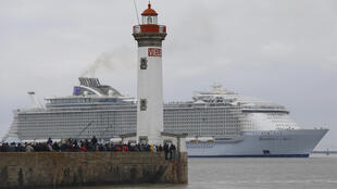 Harmony of the Seas выходит из Saint- Nazaire, 10 марта 2016  года