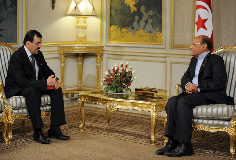 Le nouveau Premier ministre, Ali Larayedh (g) est chargé par le président  Moncef Marzouki de former le prochain gouvernement, tunis, le 22 février 2013.