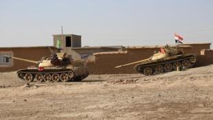 Tanques en la operación contra el Estado Islámico en el sur de Mosul, Irak, 31 de octubre de 2016.