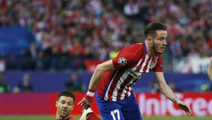 Saùl Niguez élimine Xabi Alonso, avant d'aller inscrire le but du 1-0 pour l'Atletico Madrid.