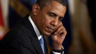 Aux Etats-Unis, de nombreuses voix appellent Barack Obama à faire preuve de plus de fermeté à l'égard du pouvoir égyptien.