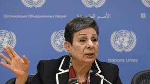A ativista e ex-deputada Hanan Ashrawi.