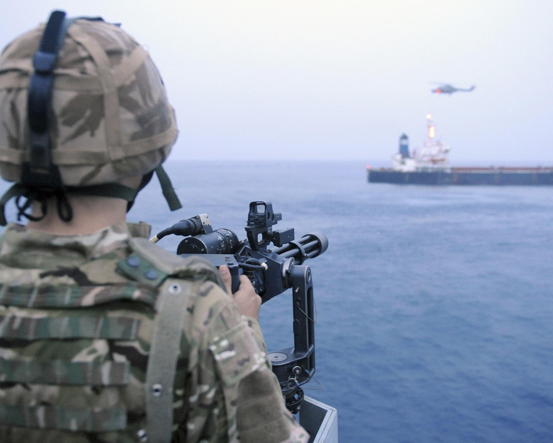 La surveillance contre les actes de piraterie s'est aussi fortement accrue au large des côtes ouest africaines.