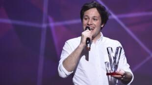 Vianney recibe la Victoire de la Canción Original del Año.