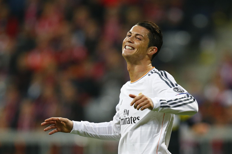 Cầu thủ Bồ Đào Nha Cristiano Ronaldo - REUTERS /Ralph Orlowski