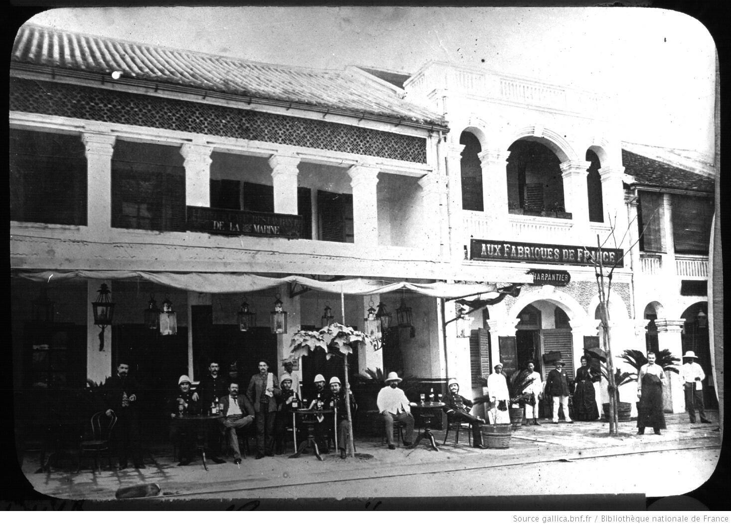 Phố Paul Bert năm 1920 (nay là phố Tràng Tiền).