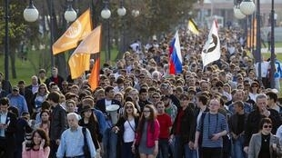Des milliers de personnes venues de Nijni Novgorod, de Samara ou encore de Moscou ont manifesté le 14 avril à Astrakhan.