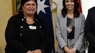 La Première ministre néo-zélandaise Jacinda Ardern et sa nouvelle ministre des Affaires étrangères, la Maorie Nanai Mahuta.