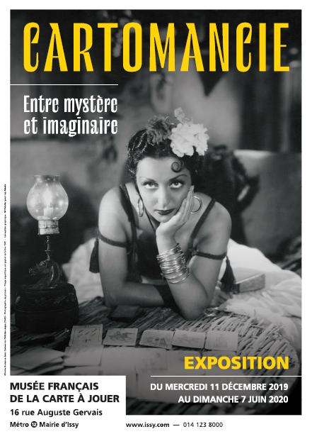 Áp phích triển lãm Cartomancie, bảo tàng Musée de la Carte à Jouer, Issy-les-Moulineaux, Pháp.