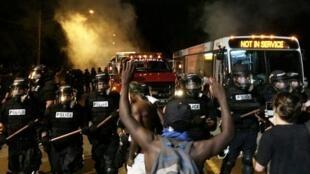 Nova noite de confrontos na cidade de Charlotte