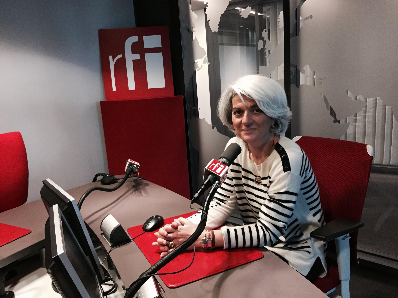سرور کسمایی در استودیوی رادیو بین المللی فرانسه، 10 اکتبر 2015
