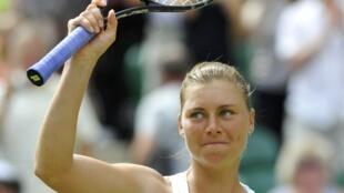 Vera Zvonareva sonríe triunfal. Este sábado jugará su primera gran final en Wimbledon.