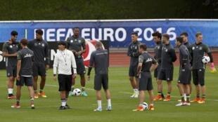 Đội tuyển Đức có đến 13 cầu thủ nước ngoài.