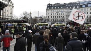 Phản biểu tình chống lại cuộc tập hợp của một nhóm cựu hữu ở Stockholm ngày 30/01/2016.