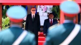 Le président turc Recep Tayyip Erdogan (G) reçu par  son homologue mozainbicain, Filipe Nyusi à Maputo, lors de sa tournée africaine en janvier 2018.